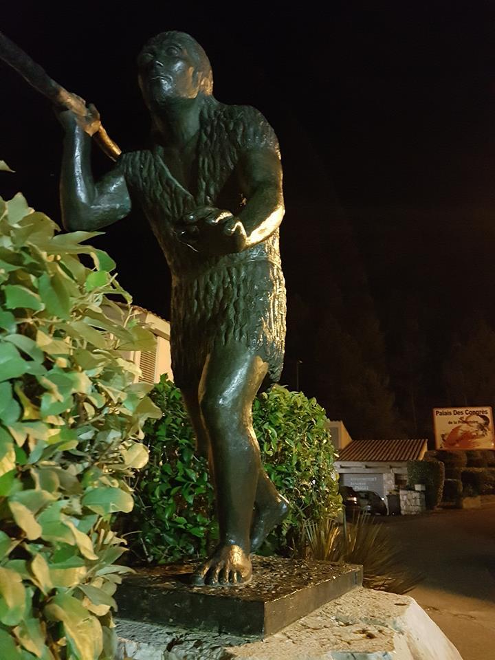 statue-homme-de-tautavel